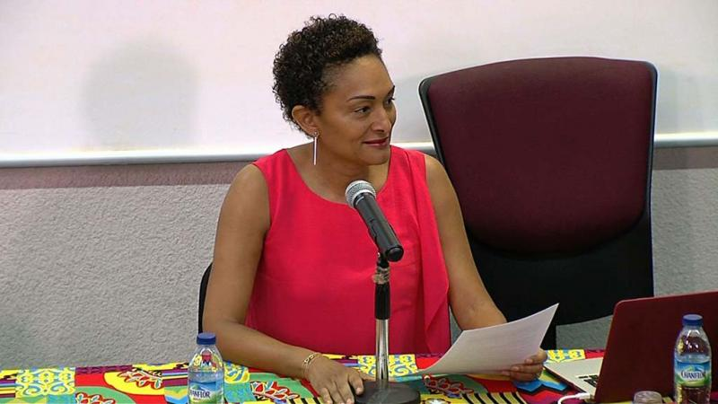 Odile François-Haugrin, vice-présidente du Pôle Martinique de l'Université des Antilles, répond à Eustase Janky, président de l'établissement