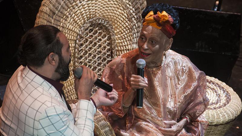Omara, la novia que siempre enamora con su voz