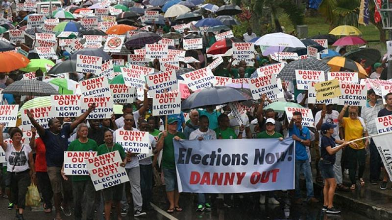 L'opposition seychelloise réclame la démission du président Faure