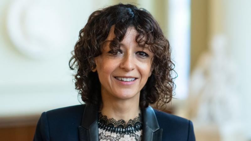 VRAI OU FAKE. Vaccin contre le Covid-19 : la prix Nobel Emmanuelle Charpentier a-t-elle dit que l'ARN a pour but de modifier l'ADN ?