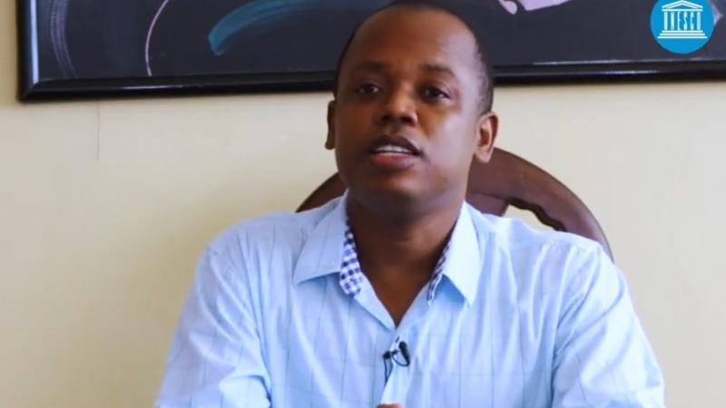 Portrait de Obrillant Damus, l'un des lauréats du concours de l'Unesco : «Les futurs de l'éducation»
