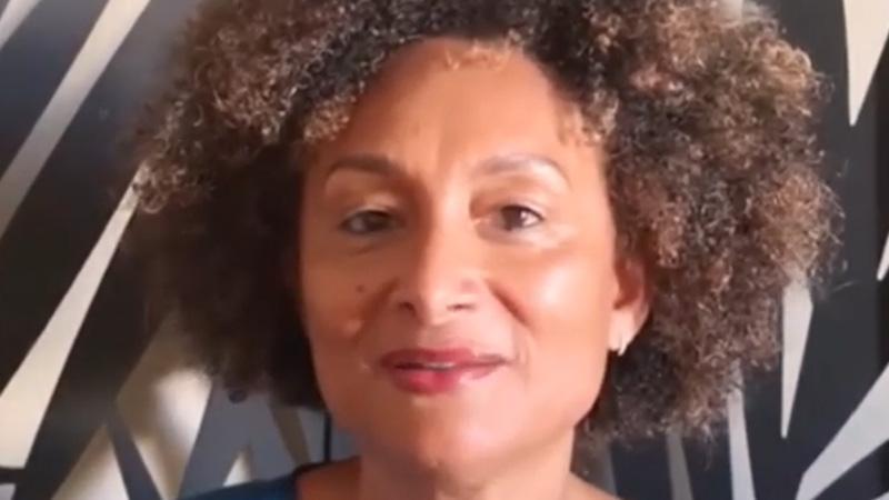 Odile François-Haugrin, vice-présidente du Pôle Martinique de l'Université des Antilles, remercie le personnel