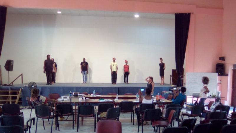 Scènes Populaires de Martinique   « La dramaturgie  et les écritures techniques »   ou du Théâtre pour un éloge à la Créolité